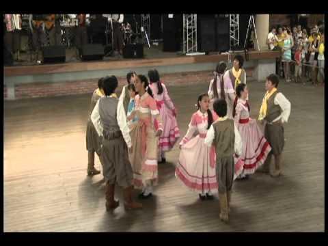 FENART 2011  »  Danças Tradicionais  »  CTG Fogo de Chão - Mirim