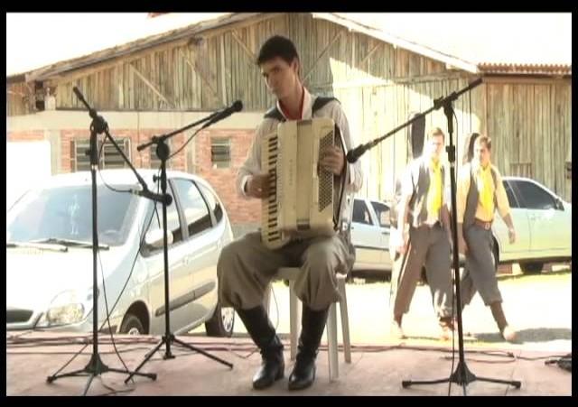 Fenart 2011  »  Gaita Piano  »  Jacinir Fiori