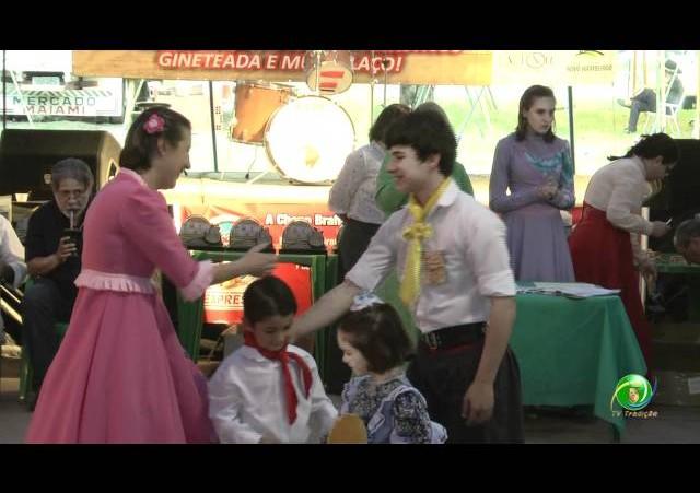 Festejos Farroupilhas de NH 2011 »  Rodeio Escolar »  Premiação »  Emei Intérprete Grupo Vocal