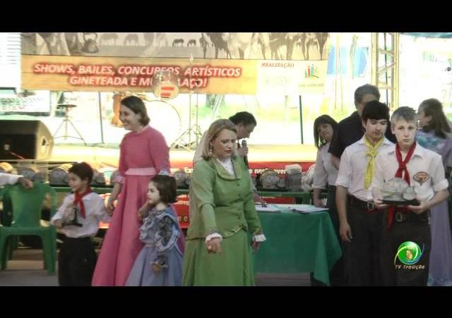 Festejos Farroupilhas de NH 2011 »  Rodeio Escolar »  Premiação »  Declamação Emei Grupo