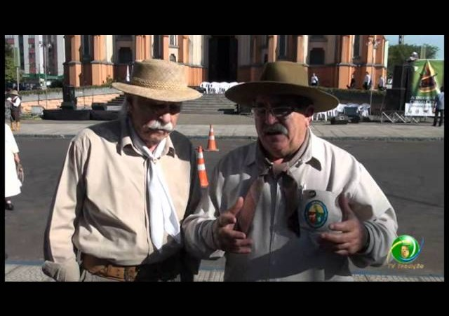 Acendimento da Chama Crioula 2012 »  Venâncio Aires »   Entrevista Bertolini e Borghetti