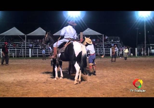 20º Rodeio do Conesul - Gineteada Modalidade Basto aberto - Felipe Felix