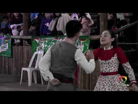 Felipe e Milena - Danças Tradicionais de Par - 4º Festival Pioneiro da Tradição