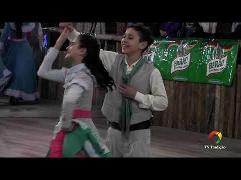 Alexey e Lavinia - Danças Tradicionais de Par - 4º Festival Pioneiro da Tradição