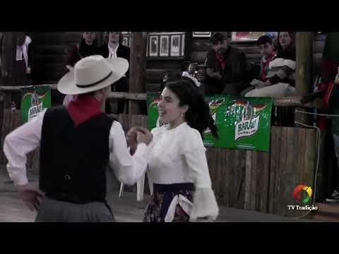 Leonardo e Maria Clara - Danças Tradicionais de Par - 4º Festival Pioneiro da Tradição